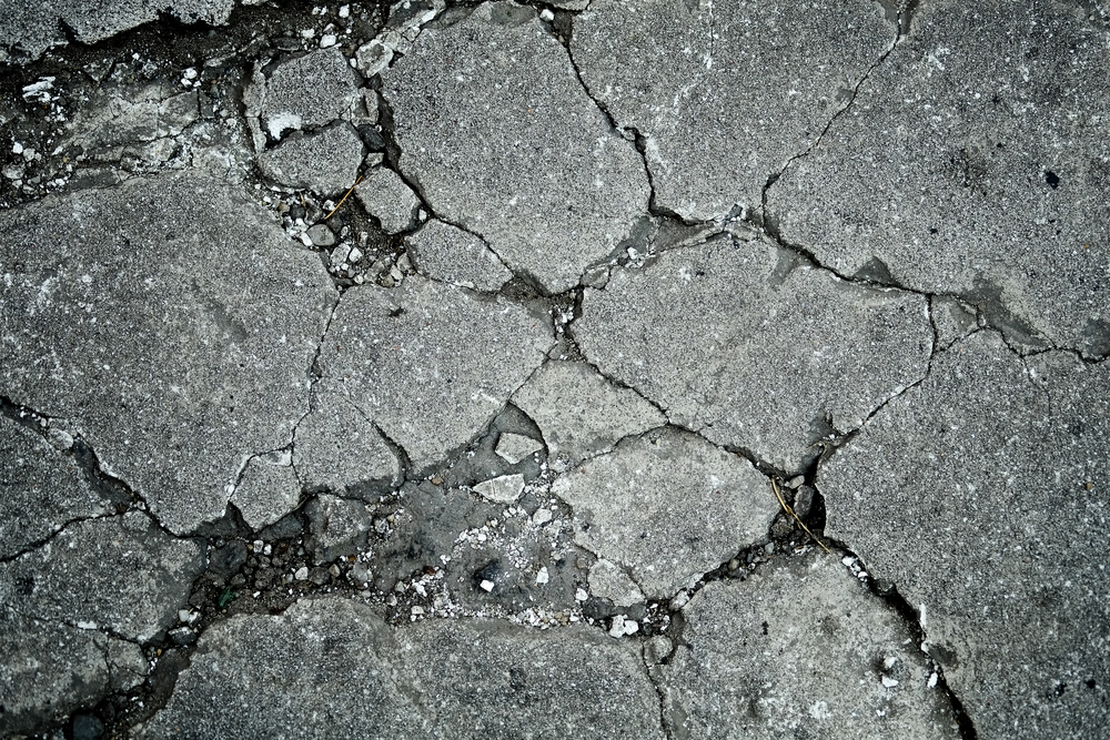 Repairing damaged concrete